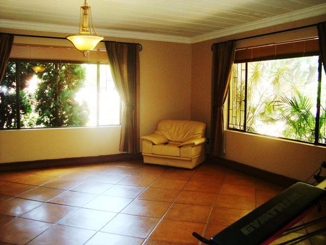 Property For Sale in Waterkloof Glen, Pretoria East 11