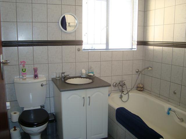 Property For Sale in Waterkloof Glen, Pretoria East 19