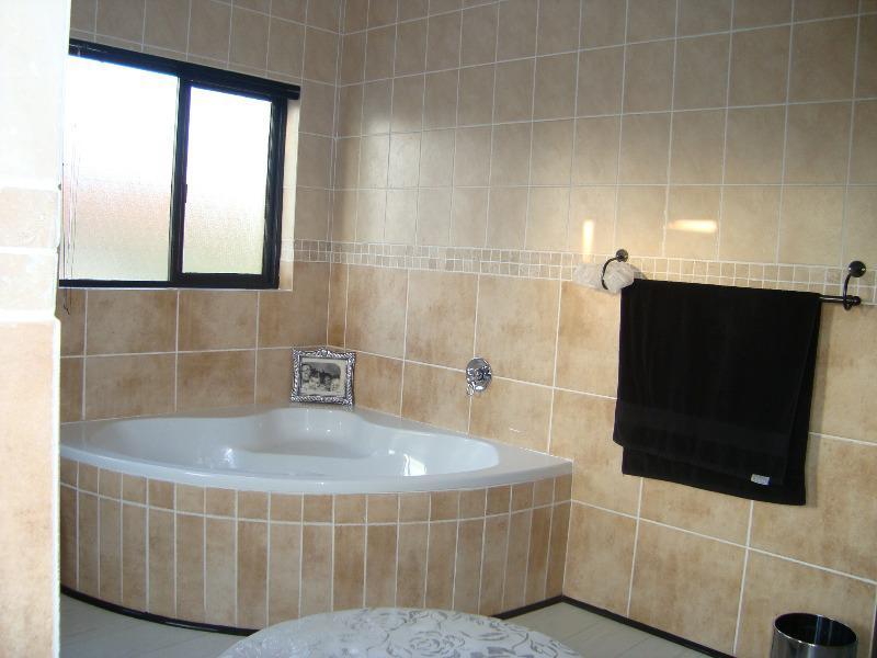 Property For Sale in Silver Lakes, Pretoria 11