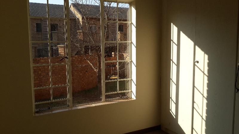 Property For Sale in Faerie Glen, Pretoria 9