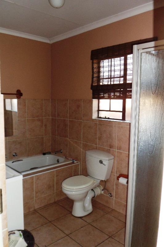 Property For Sale in Equestria, Pretoria 14