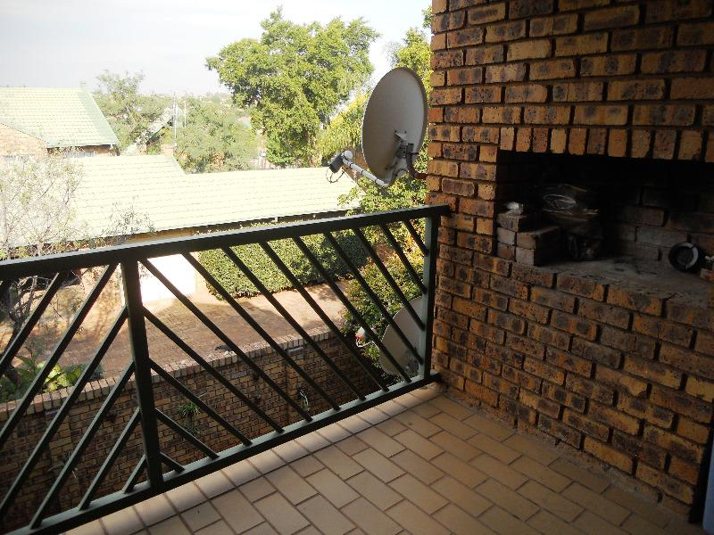 Property For Sale in Faerie Glen, Pretoria 8