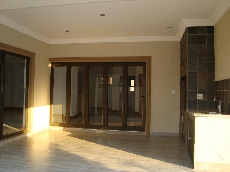 Property For Sale in Silver Lakes, Pretoria 13