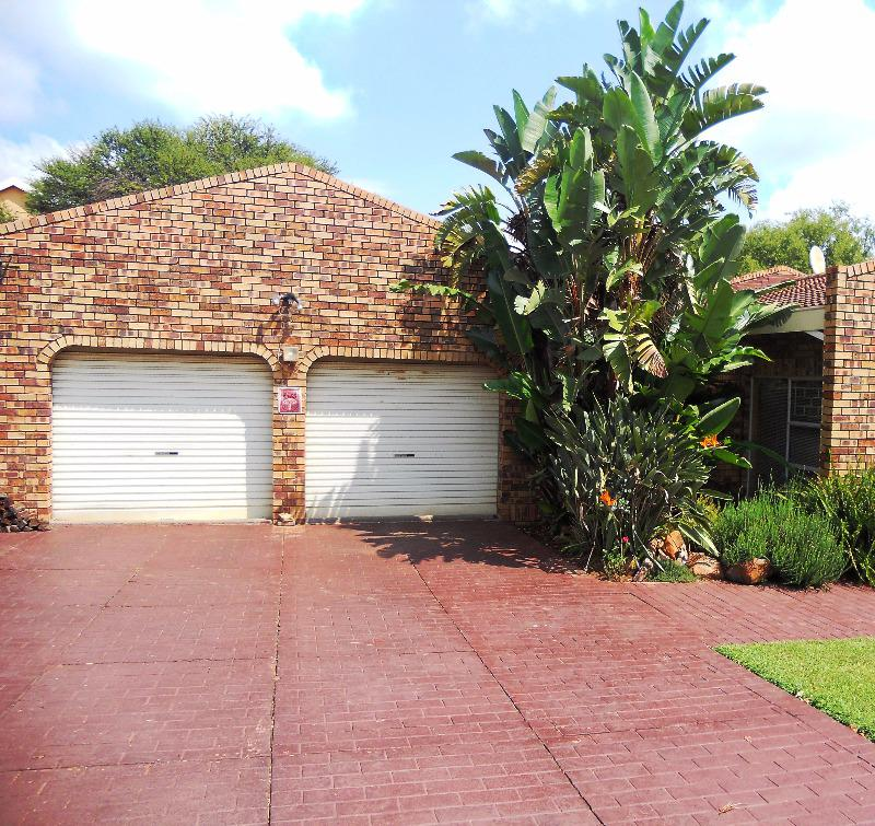 Property For Sale in Garsfontein Ext 10, Pretoria 18