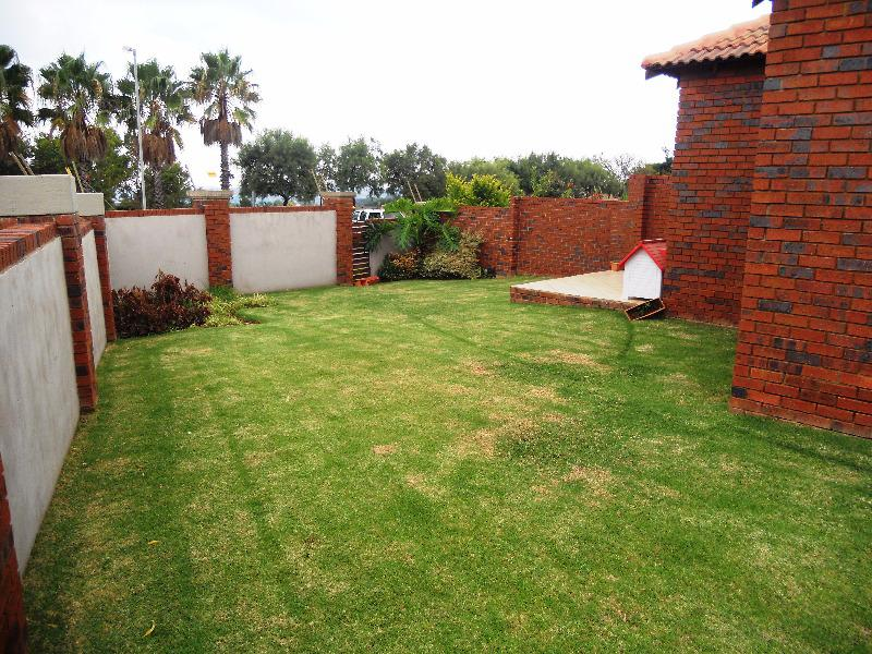 Property For Sale in Mooikloof, Pretoria 13