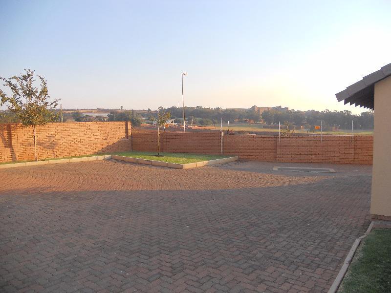 Property For Sale in Mooikloof, Pretoria 4