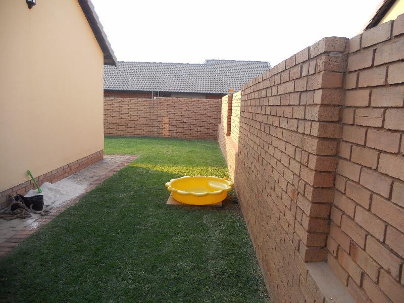 Property For Sale in Mooikloof, Pretoria 6