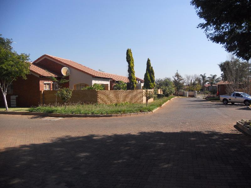 Property For Sale in Equestria, Pretoria 18