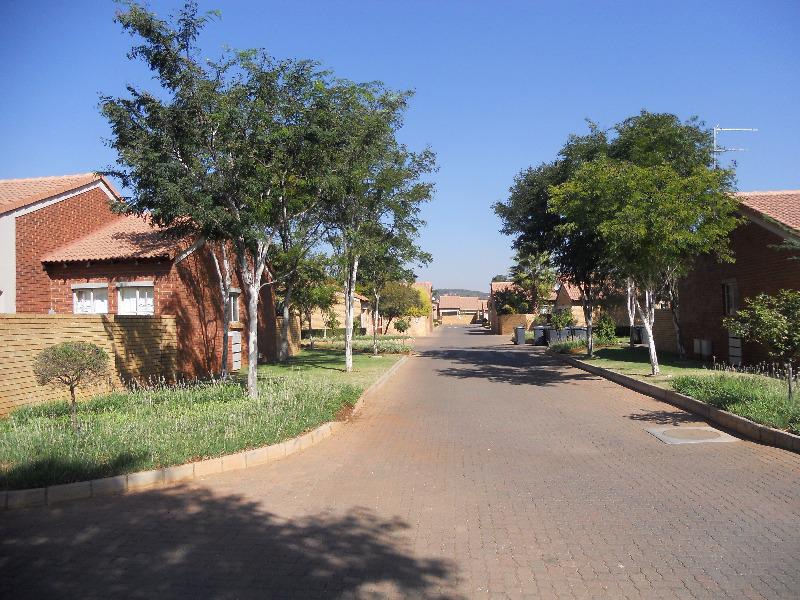 Property For Sale in Equestria, Pretoria 20