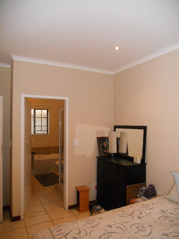 Property For Sale in Mooikloof, Pretoria 20