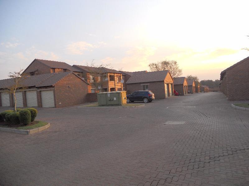 Property For Sale in Mooikloof, Pretoria 12