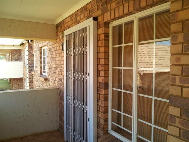 Property For Sale in Olympus, Pretoria 3