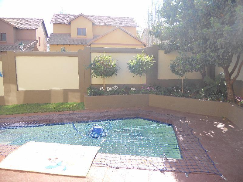 Property For Sale in Olympus, Pretoria 18