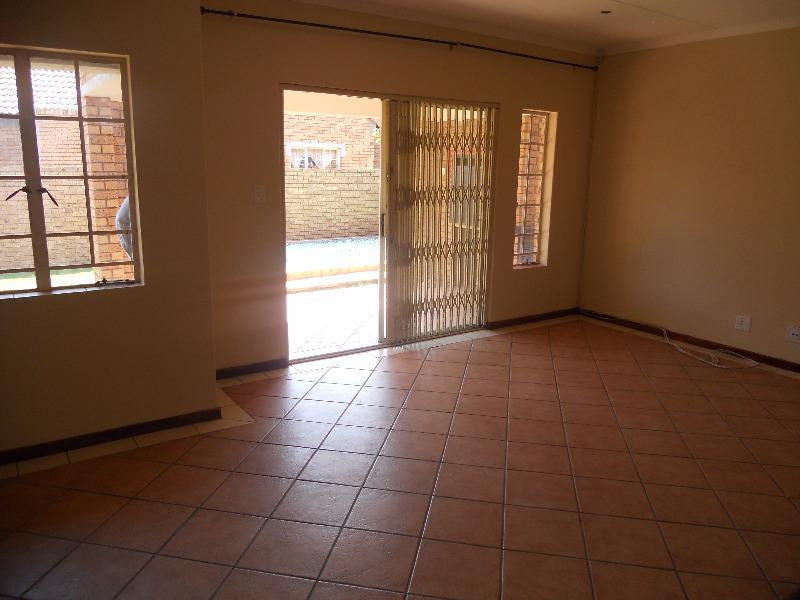 Property For Sale in Equestria, Pretoria 16