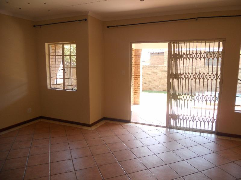 Property For Sale in Equestria, Pretoria 11