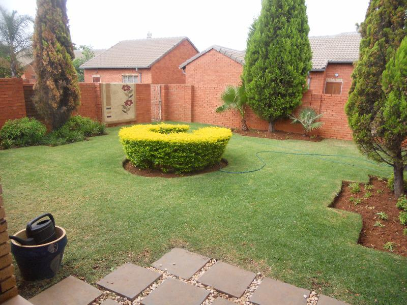Property For Sale in Equestria, Pretoria 14