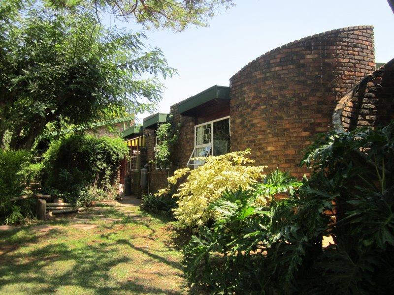 Property For Sale in Faerie Glen, Pretoria 4