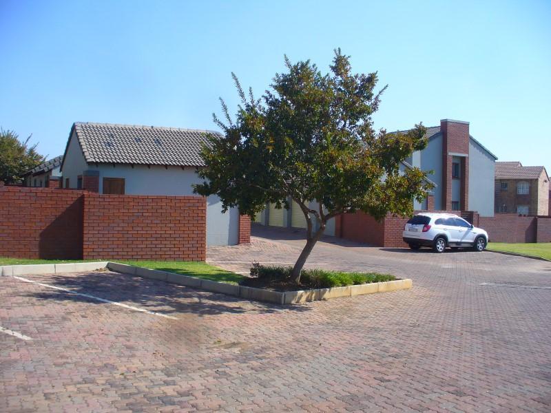Property For Sale in Mooikloof, Pretoria 18