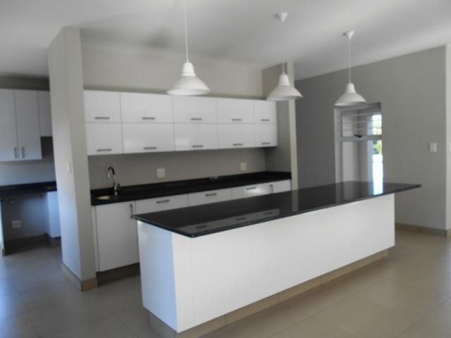Property For Sale in Faerie Glen, Pretoria 12