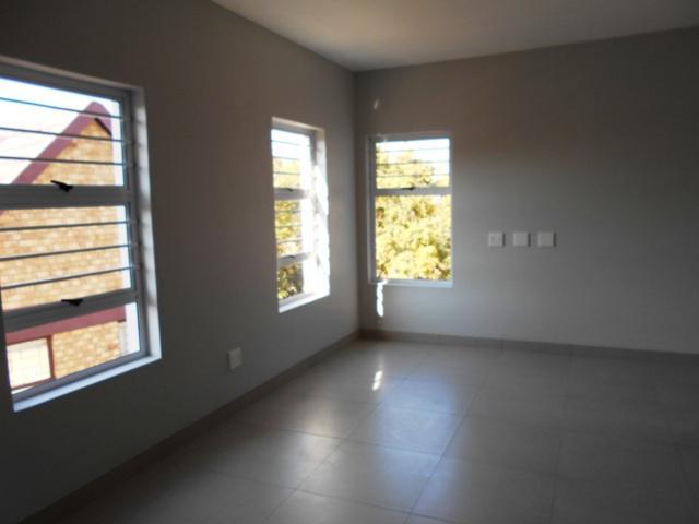 Property For Sale in Faerie Glen, Pretoria 30