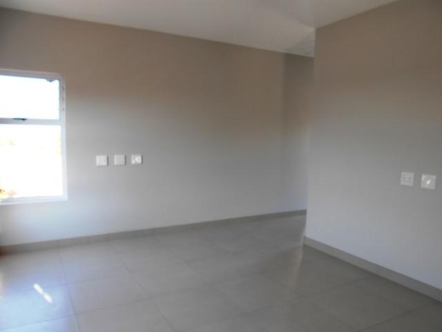 Property For Sale in Faerie Glen, Pretoria 31