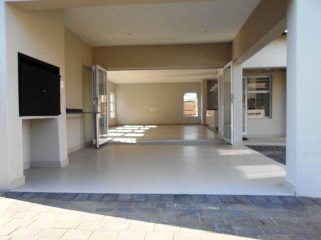 Property For Sale in Faerie Glen, Pretoria 39
