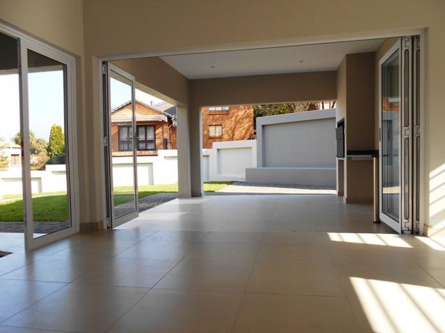Property For Sale in Faerie Glen, Pretoria 41