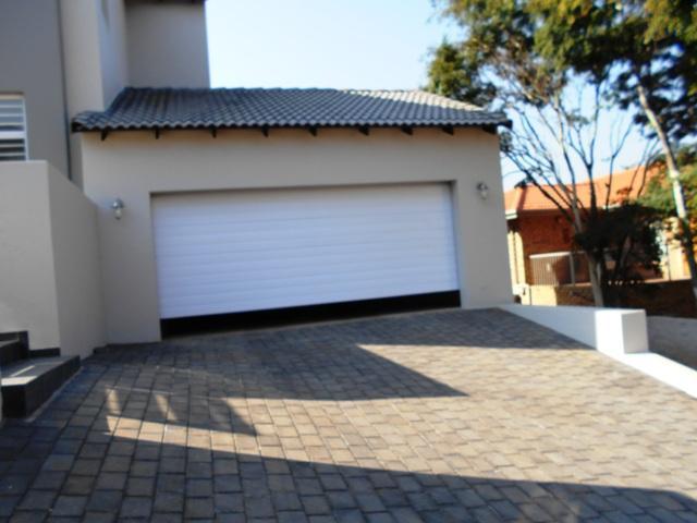 Property For Sale in Faerie Glen, Pretoria 43