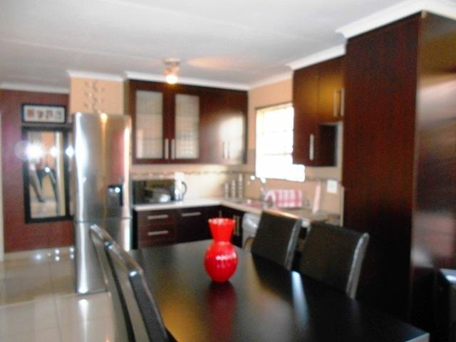 Property For Sale in Erasmuskloof, Pretoria 18