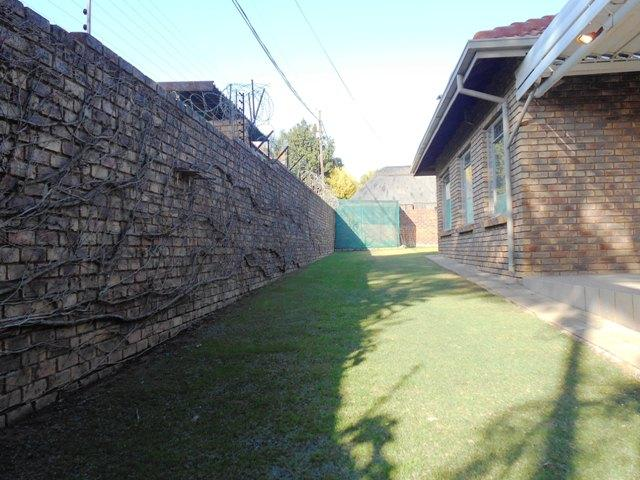 Property For Sale in Faerie Glen, Pretoria 3