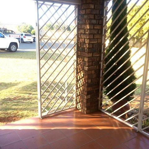 Property For Sale in Elarduspark, Pretoria 10