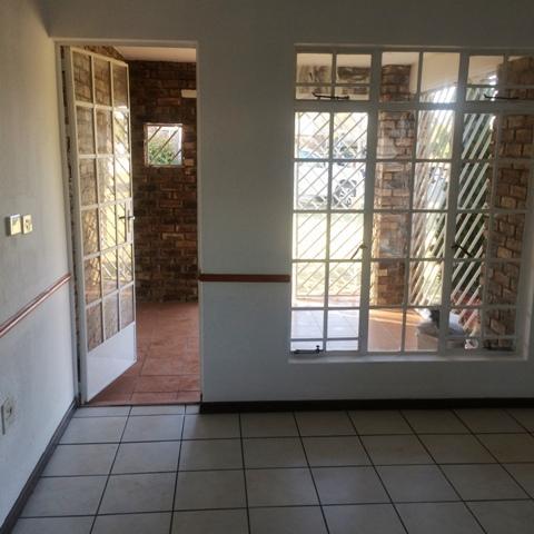 Property For Sale in Elarduspark, Pretoria 12