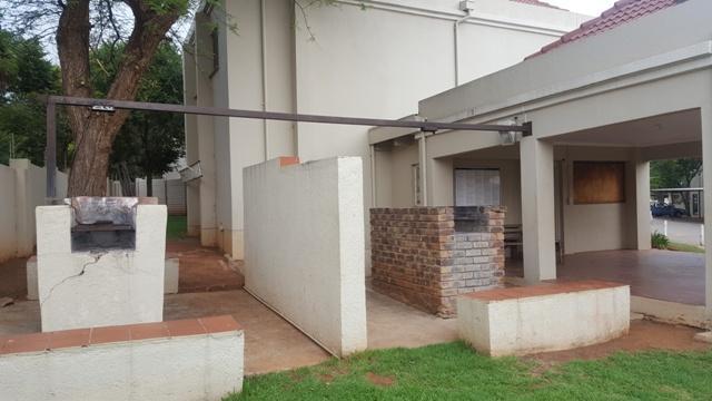 Property For Sale in Faerie Glen, Pretoria 35