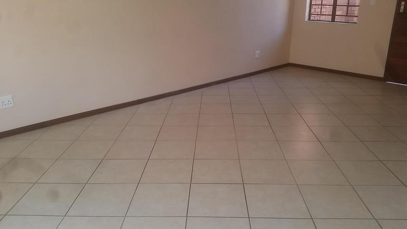 Property For Rent in Mooikloof Ridge Estate, Pretoria 4
