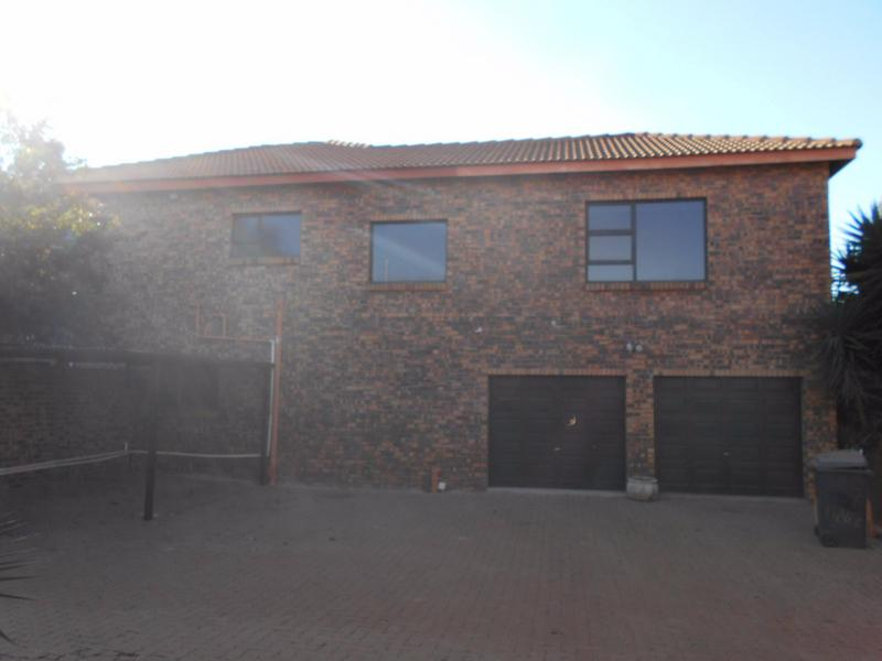 Property For Rent in Garsfontein, Pretoria 14