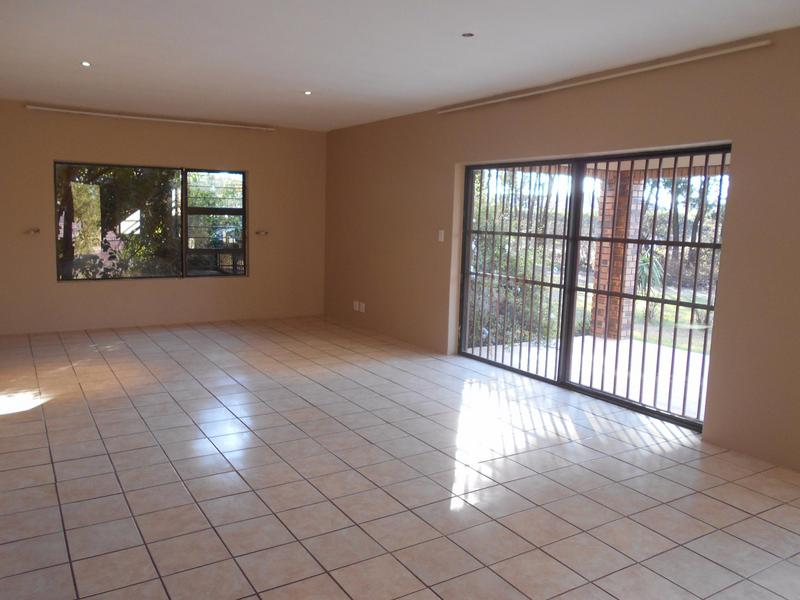 Property For Rent in Garsfontein, Pretoria 17