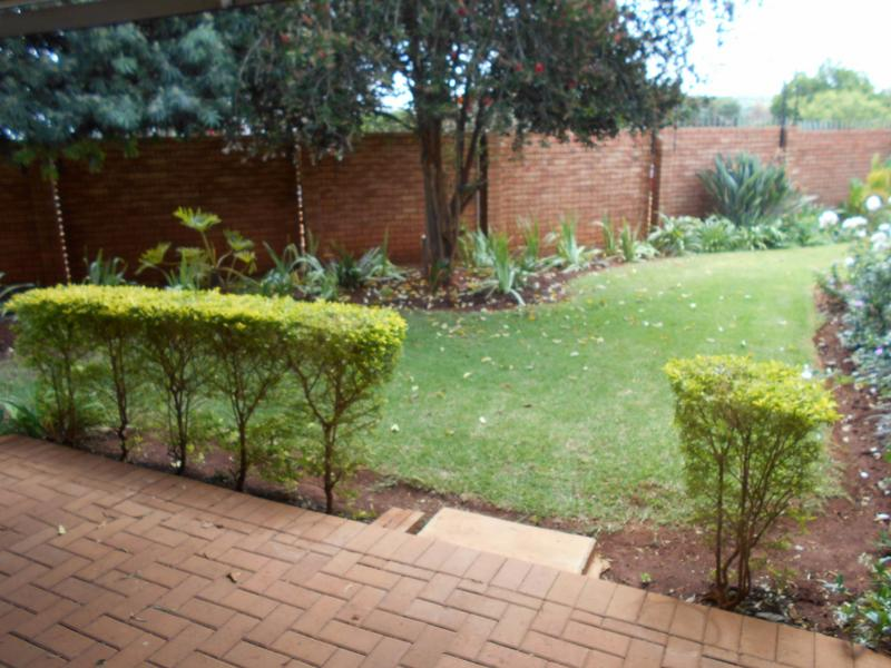 Property For Sale in Faerie Glen, Pretoria 6