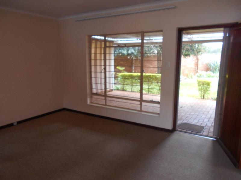 Property For Sale in Faerie Glen, Pretoria 10