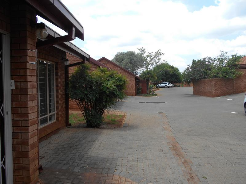 Property For Sale in Faerie Glen, Pretoria 17