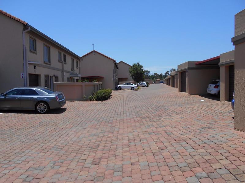Property For Sale in Willow Park Manor, Pretoria 19