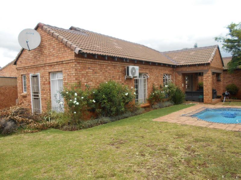 Property For Sale in Equestria, Pretoria 3