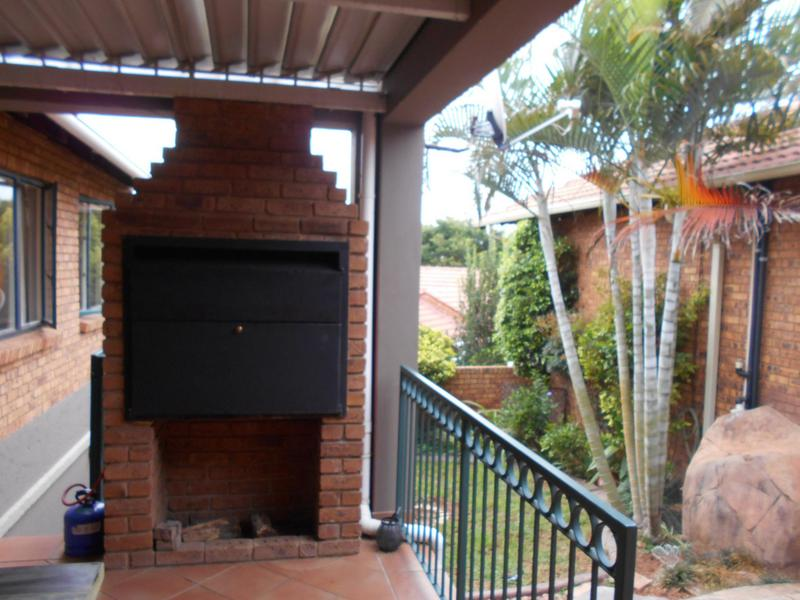 Property For Sale in Garsfontein, Pretoria 10