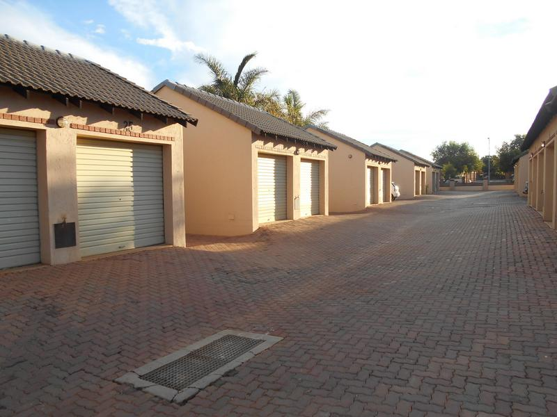 Property For Sale in Mooikloof Ridge, Pretoria 14