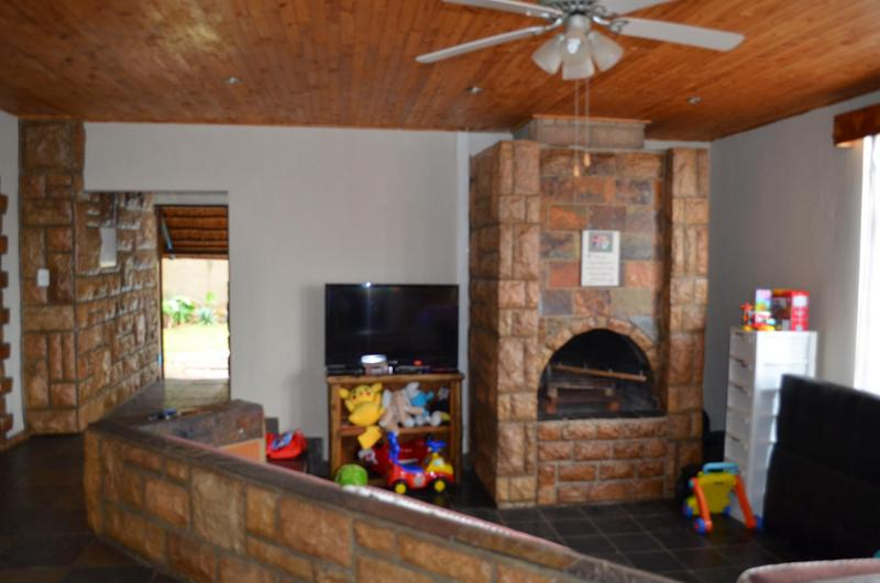 Property For Sale in Faerie Glen, Pretoria 4