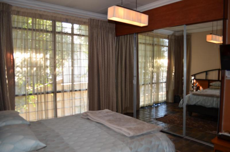 Property For Sale in Waterkloof Ridge, Pretoria 11
