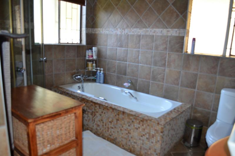 Property For Sale in Garsfontein, Pretoria 12