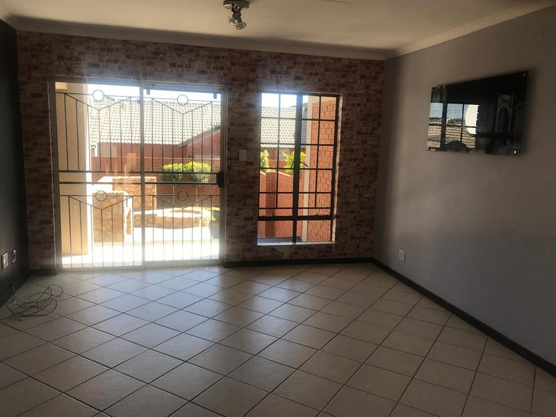Property For Sale in Mooikloof Ridge Estate, Pretoria 6