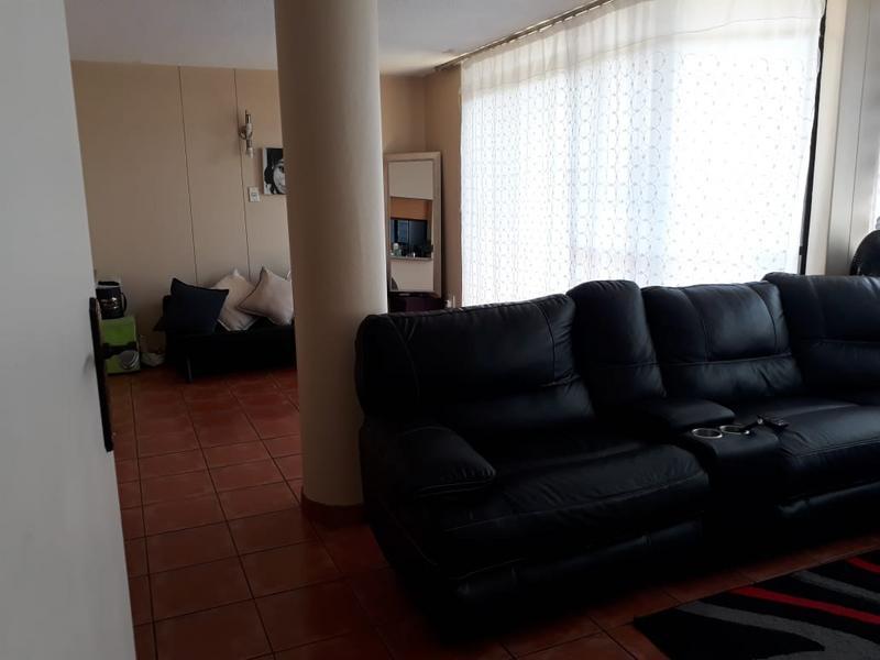 Property For Sale in Menlyn, Pretoria 2