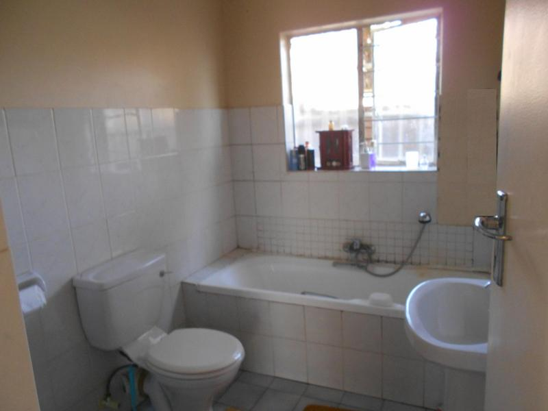 Property For Rent in Die Wilgers, Pretoria 6
