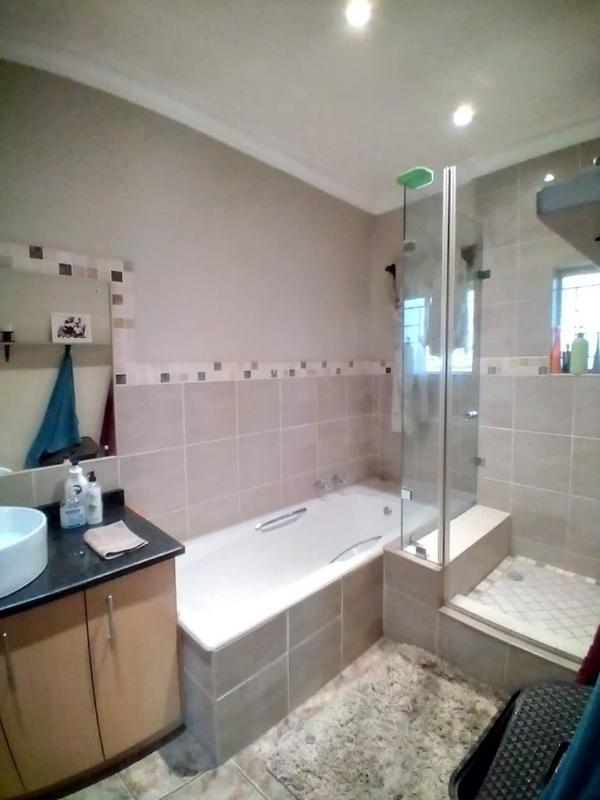Property For Sale in Clydesdale, Pretoria 11